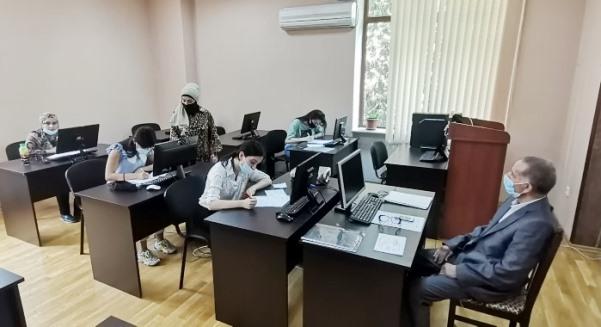 İnstitutun magistraturasında təhsil alan I kurs tələbələrin 2020/2021-ci tədris ili üzrə yay imtahan sessiyası davam edir.