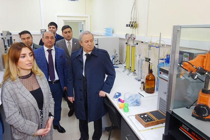 Azərbaycan – İtaliya elmi seminarının iştirakçıları AMEA YT Parkın məhsulları ilə tanış olublar