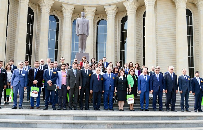 International Forum of Young Scientists and Specialists takes place in Ganja