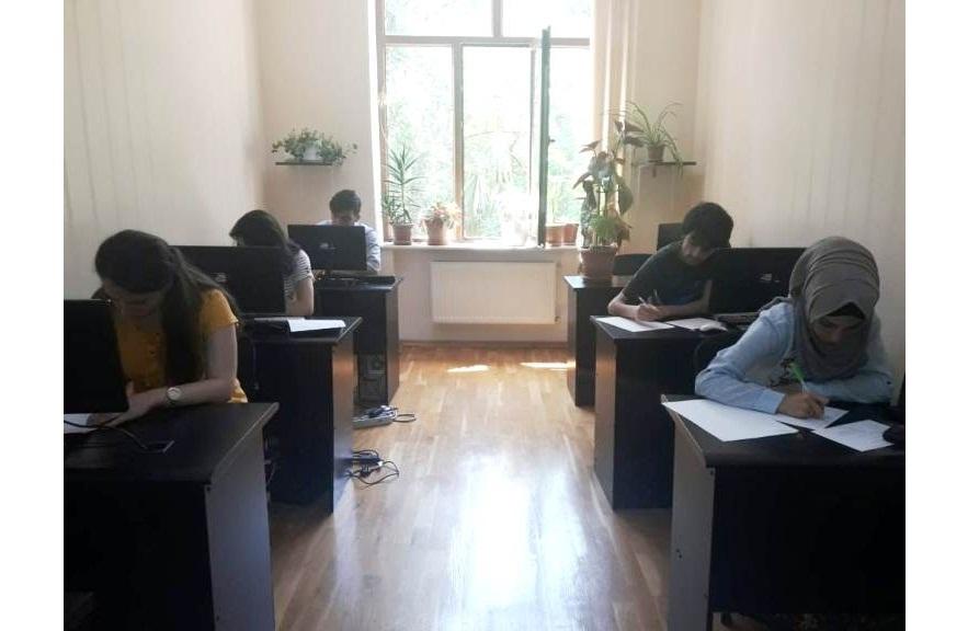 AMEA-nın akad.M.Nağıyev adına Kataliz və Qeyri-üzvi Kimya İnstitutunda təhsil alan magistrantların yay imtahan sesiyası davam edir