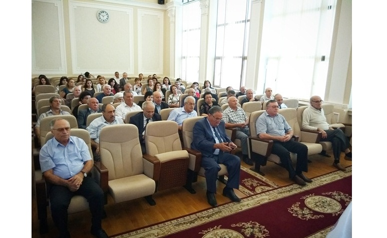 Akademik Dilqəm Tağıyev: innovativ elmi-tədqiqat işlərinin aparılmasına üstünlük verilməlidir