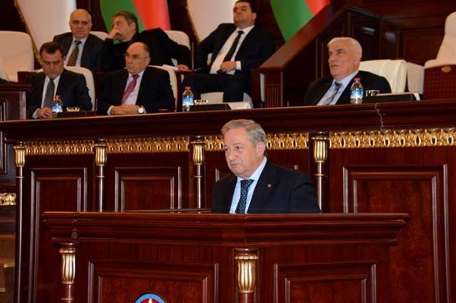 Akademik Dilqəm Tağıyev AMEA və Təhsil Nazirliyinin birgə elmi sessiyasında çıxış edib