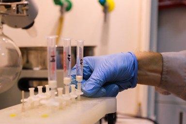 MDU-nin kimyaçıları saxta şirələrin müəyyənləşdirilməsi metodunu işləyib hazırlayıblar