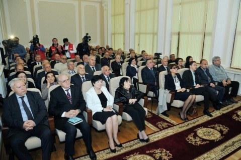 Akademik Toğrul Şahtaxtinskinin 90 illik yubileyinə həsr olunan respublika konfransı keçirildi