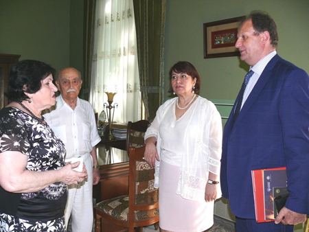 Moldovanın ölkəmizdəki səfiri AMEA-nın Milli Azərbaycan Tarixi Muzeyində olub