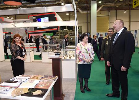 Prezident İlham Əliyev Milli Azərbaycan Tarixi Muzeyinin pavilyonu ilə tanış oldu