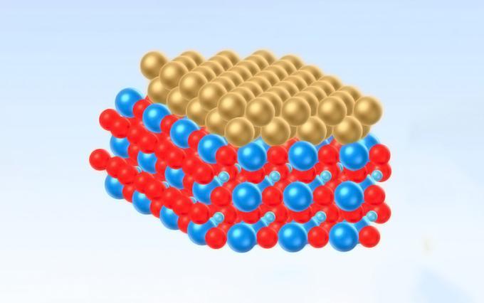 Слой золота поменял симметрию полупроводникового кристалла