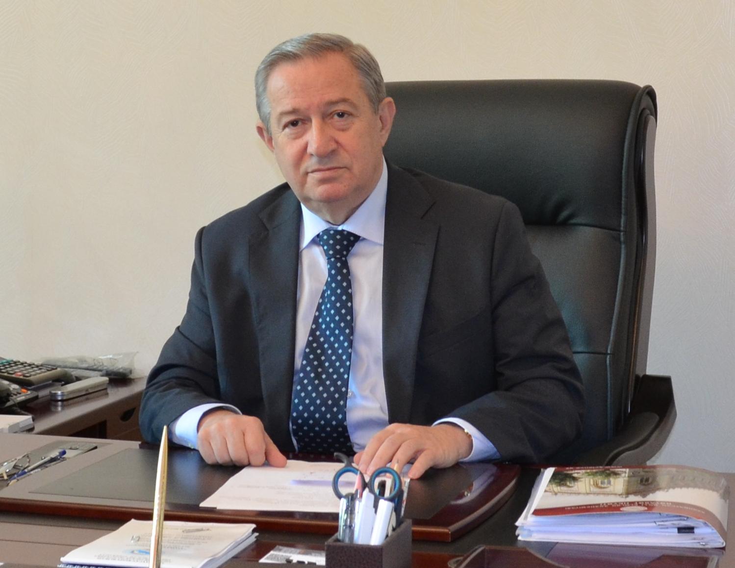 Директор Института находился в научной командировке в Италии.