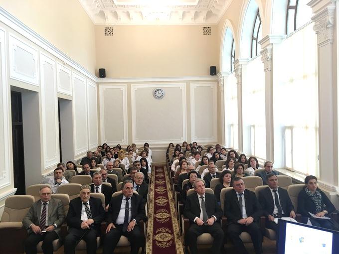 """AMEA Kataliz və Qeyri-üzvi Kimya İnstitutunda """"Thomson Reuters"""" təşkilatı tərəfindən maarifləndirici seminar keçirilib"""