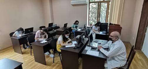 Kataliz və Qeyri-üzvi Kimya İnstitutunda magistrantların yay imtahan sessiyası başlayıb.