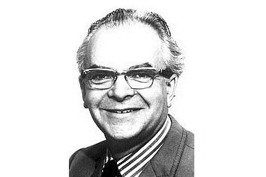 Dennis Mitçell