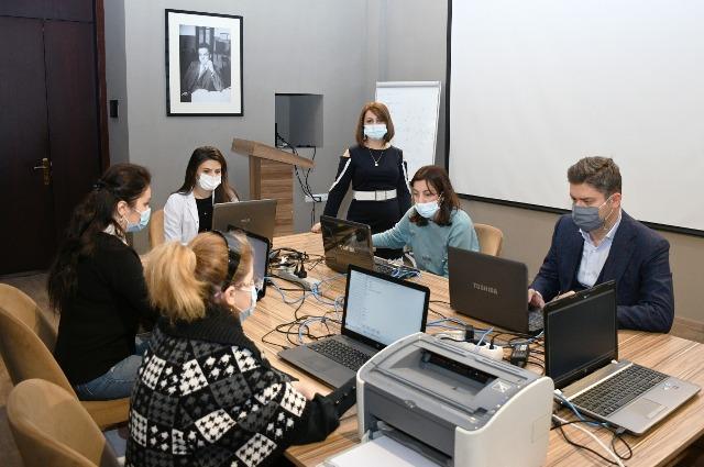 KQKİ-nin dissertantlarının Neft-Kimya Prosesləri İnstitutunda minimum imtahanı keçirilir
