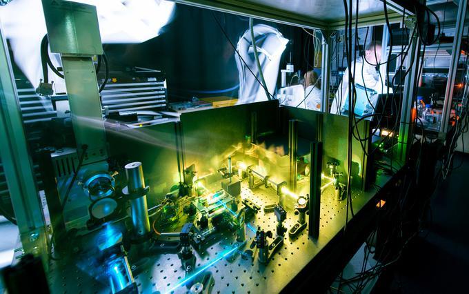 Kimyaçılar lazer texnologiyası üçün keramika hazırladılar