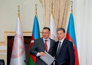 Memorandum between ANAS and the Center for Analysis of Economic Reforms and Communication