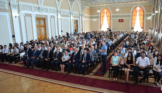 Kataliz və Qeyri-üzvi Kimya İnstitutunda təhsil alan magistrantlarnın dərsləri onlayn davam etdirilir.