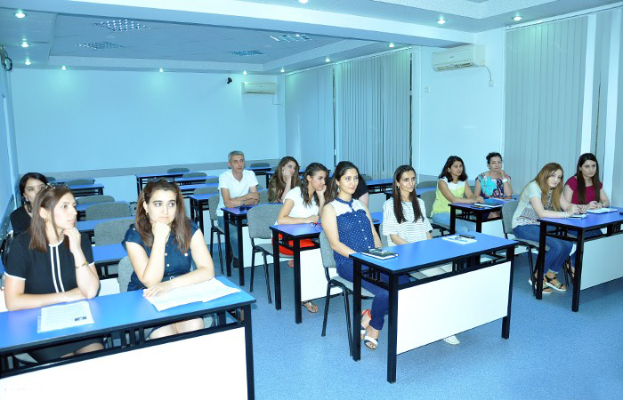 At the wiki-center finished the regular training courses