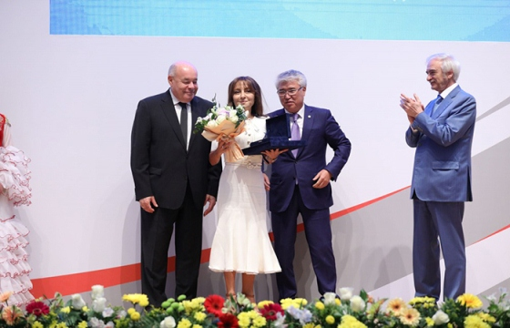 Rector of Baku branch of Moscow State University, vice-president of Azerbaijan National Academy of Sciences Nargiz Pashayeva receives Stars of Commonwealth Award