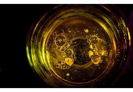 Kimyaçılar otaq temperaturunda qızılı əritdilər